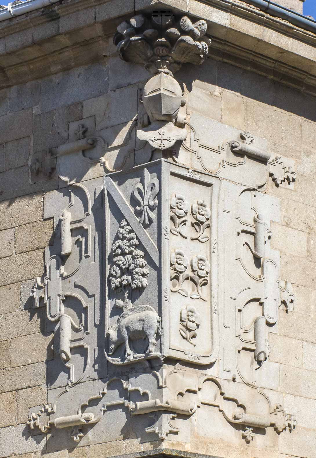 Casa del Dean Escudo Paniagua Loaysa